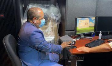 Nuevos legisladores se registran mediante toma de huellas dactilares