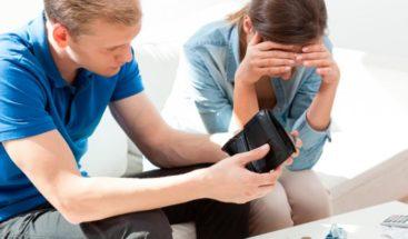 Descubra cómo lidiar en pareja con la crisis económica provocada por la pandemia