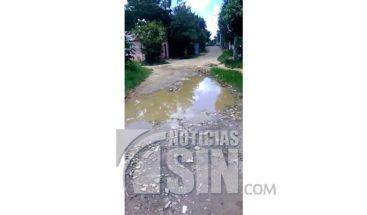 Residentes de Los Alcarrizos denuncian mal estado de las calles