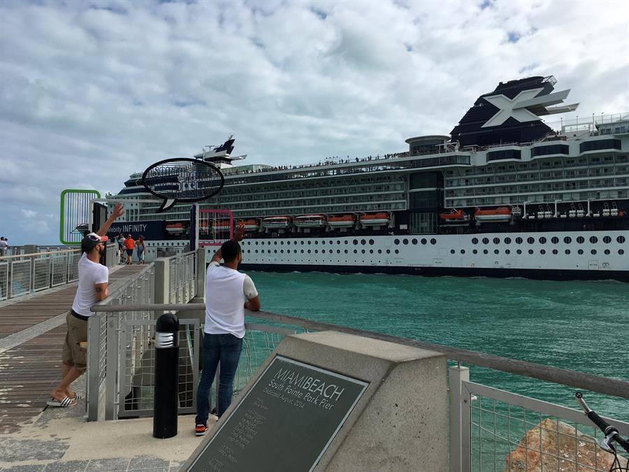 Islas Caimán prohíbe entrada de cruceros hasta el 31 de diciembre