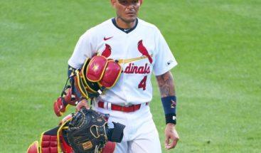 El puertorriqueño Yadier Molina, es uno de los seis jugadores de San Luis con COVID-19
