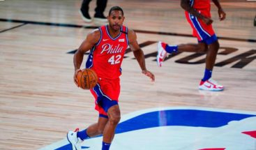 Al Horford anota 15 puntos en derrota  de Philadelphia ante Portland