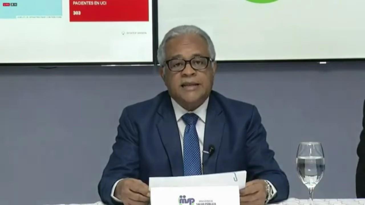 Ministro de Salud se despide y ofrece agradecimientos