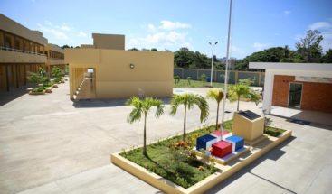 Presidenta Medina entrega centros educativos en la región Norte
