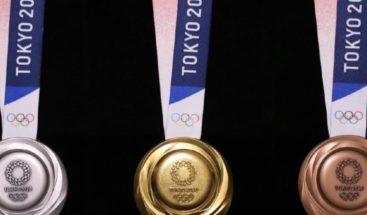 Hombre japonés arrestado por falsas medallas de Tokio 2020
