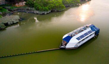 Gobierno pone en marcha el Interceptor 004, la embarcación para rescatar el río Ozama