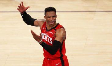 Los Rockets jugarán sin el base Westbrook la primera ronda de los 'playoffs'