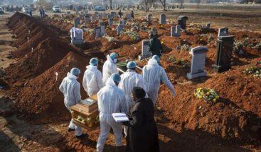 México roza las 50.000 muertes por COVID-19 y acumula 456.100 contagios