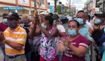 Protestan en barrio Azul de SFM para ser reubicados tras paso de Isaias