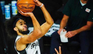 Spurs vencen al Jazz y se quedan solos en la décima posición del oeste