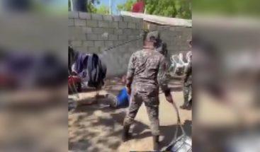 Suspenden a cuatro policías por propinar golpiza a hombre en Azua