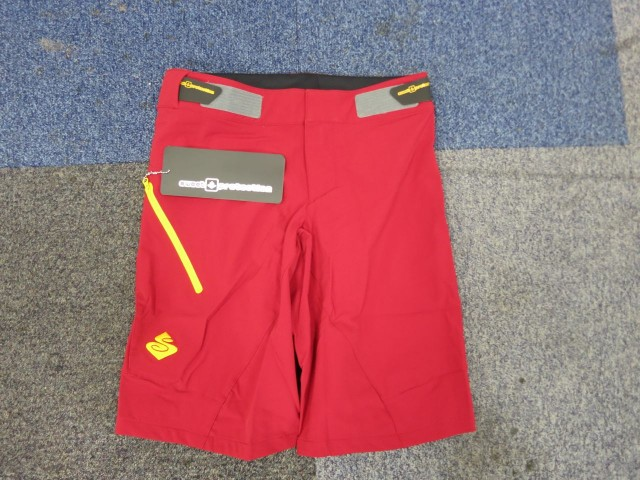 Red fast shorts