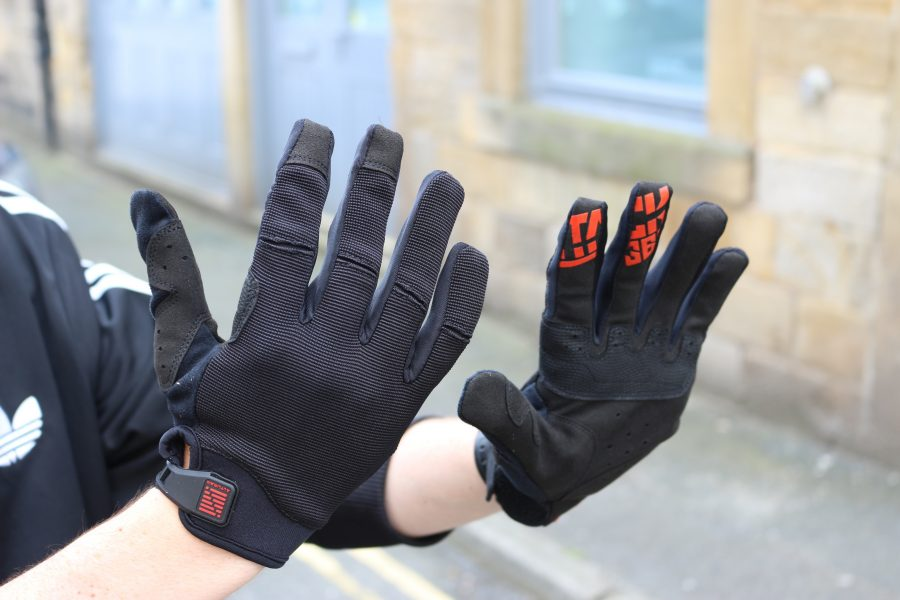 altura attack, gloves