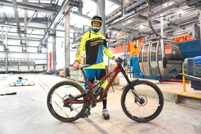 specialized prototype 29in fort william world cup norco transition commencal pivot norco