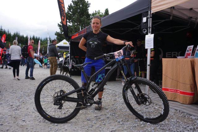 antidote carbon downhill bike