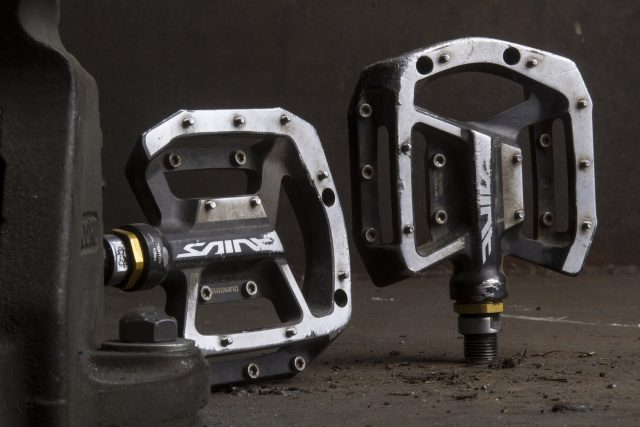 shimano saint flat pedal