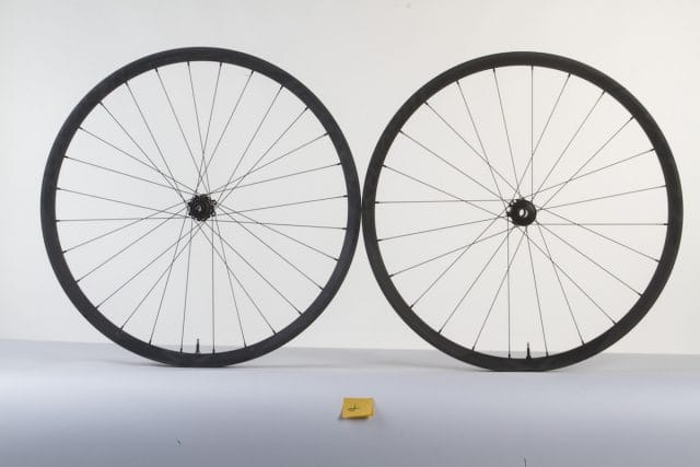 roval carbon wheel issue 116 tubeless dt swiss star ratchet freehub