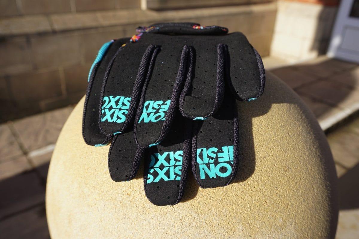 661 gloves