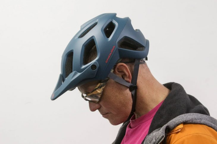 endura helmet chipps