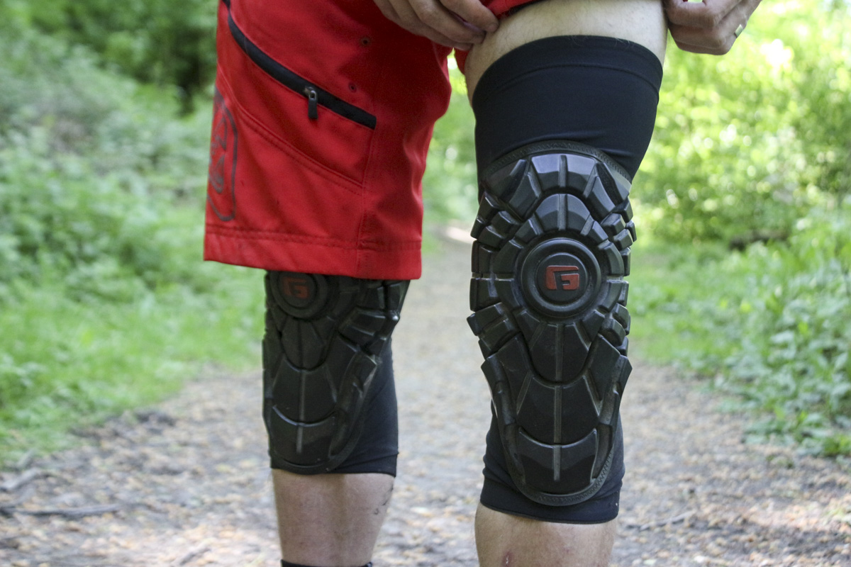 G-Form Elite Knee Guards Black Medium Bike