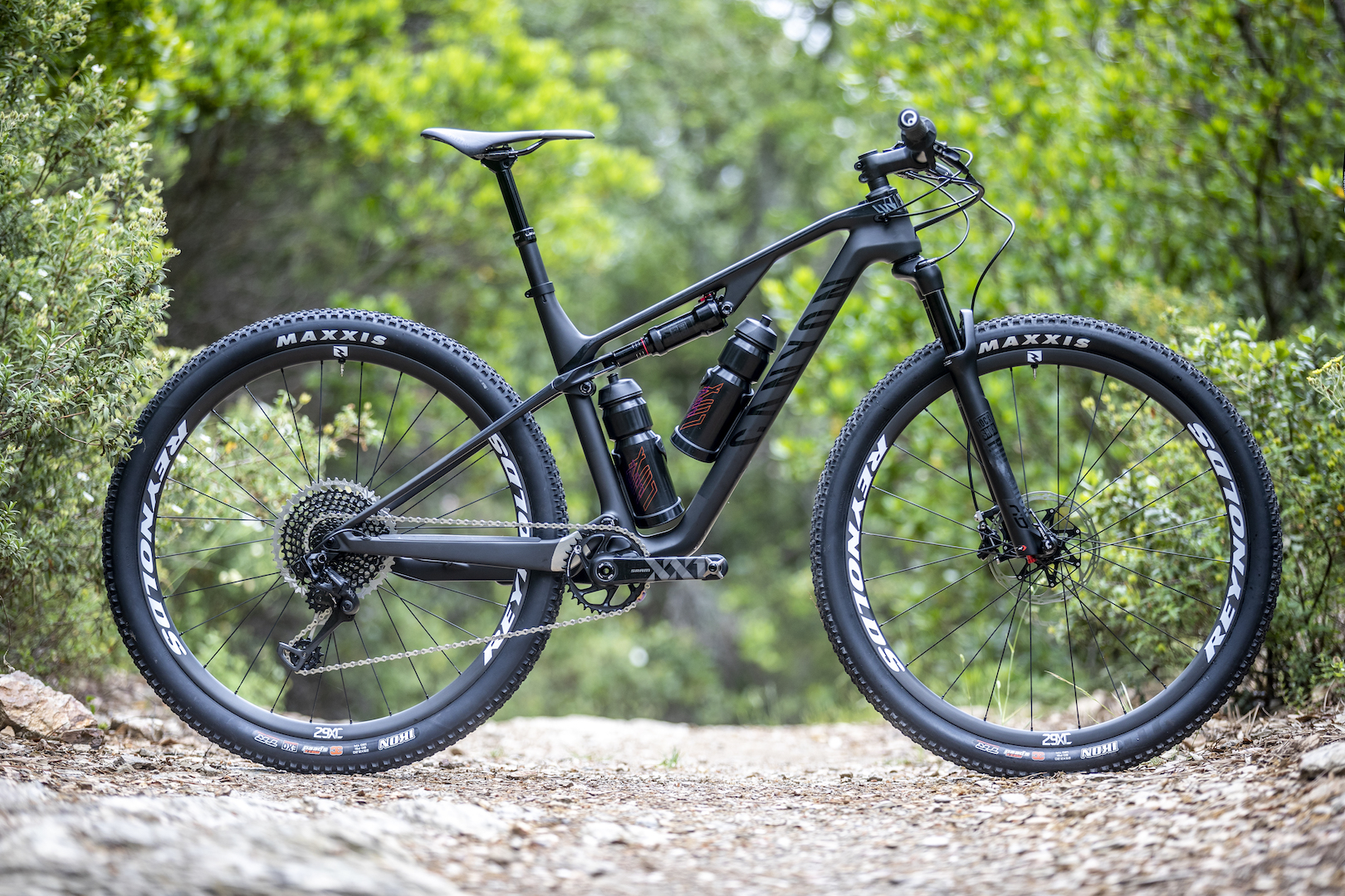 9b6e1788c90 First Ride Review: 2019 Canyon Lux CF SLX 9.0 Pro Race - Singletrack ...