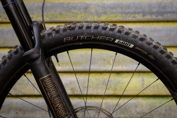 specialized stumpjumper enduro elite ohlins pink butcher grid tyre 2.6