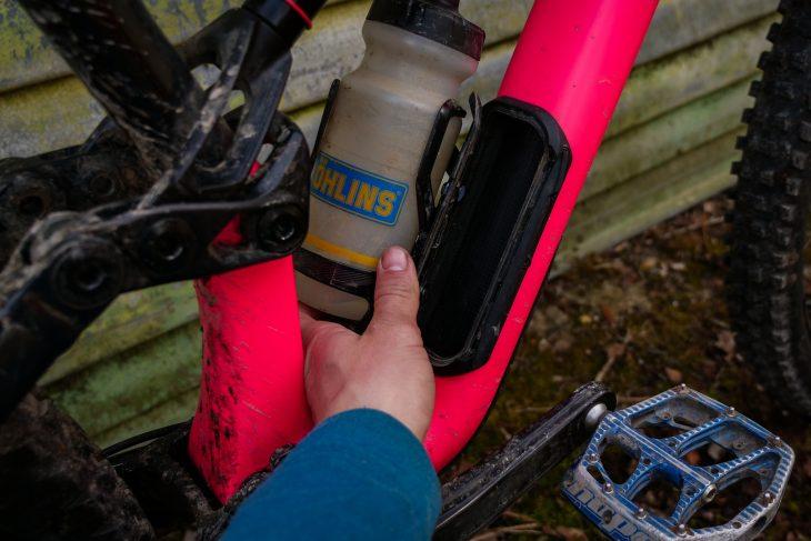 specialized stumpjumper enduro elite ohlins pink swat bottle