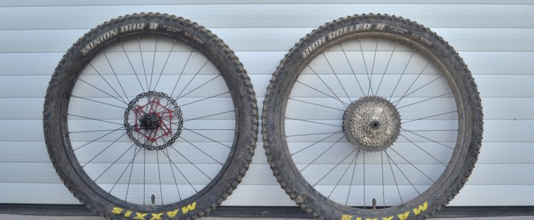 sun ringle duroc 40 plus wheels maxxis tyres 2.8in