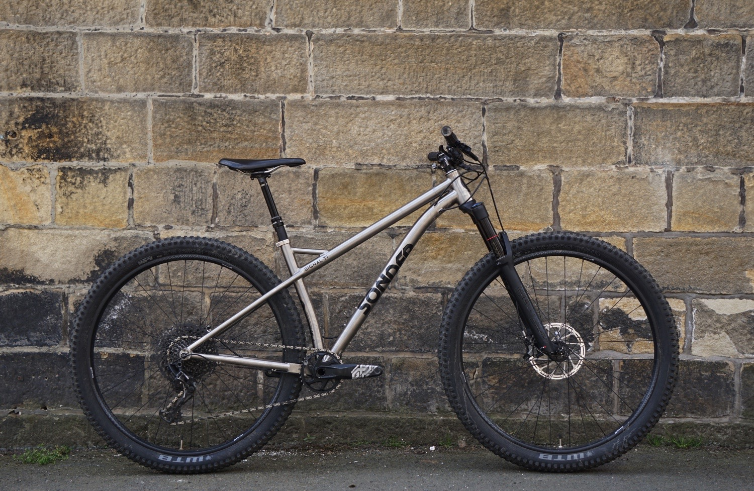 f1e9f1aac43b First Look: Sonder Signal Ti 29er - Singletrack Magazine