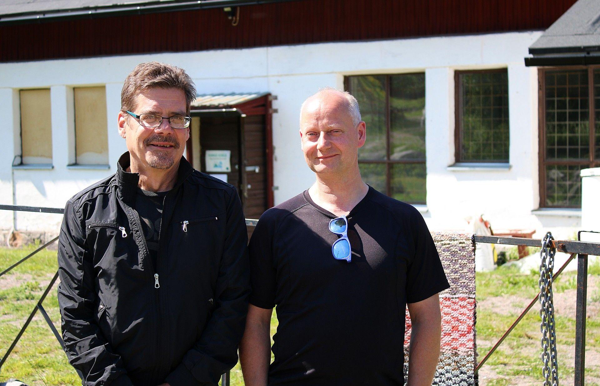 Risto Iso-Lotila ja Timo Virolainen Skatan tilalla.