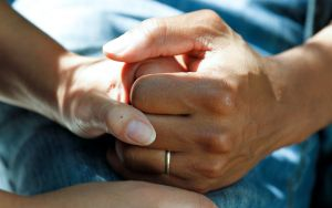 Käsi kädessä
