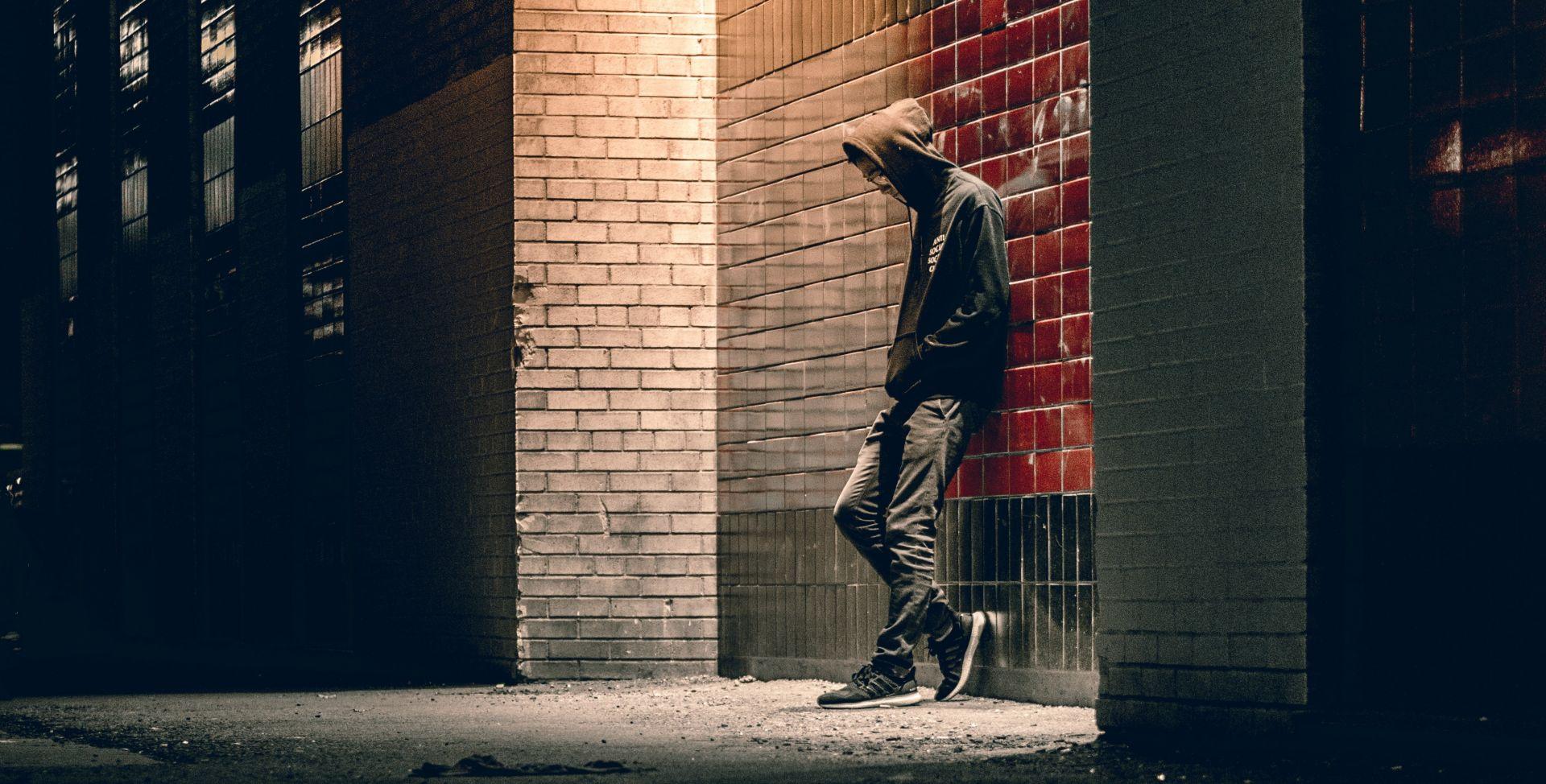 Nuoli syntyi huolesta: Kuinka tavoittaa ja tukea päihteitä käyttäviä, asunnottomia nuoria, jotka altistuvat monille vaaroille ja hyväksikäytölle?