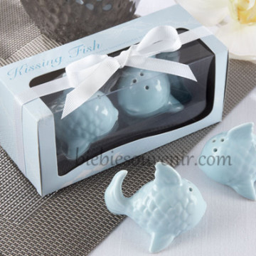 Kissing Fish Salt Pepper image