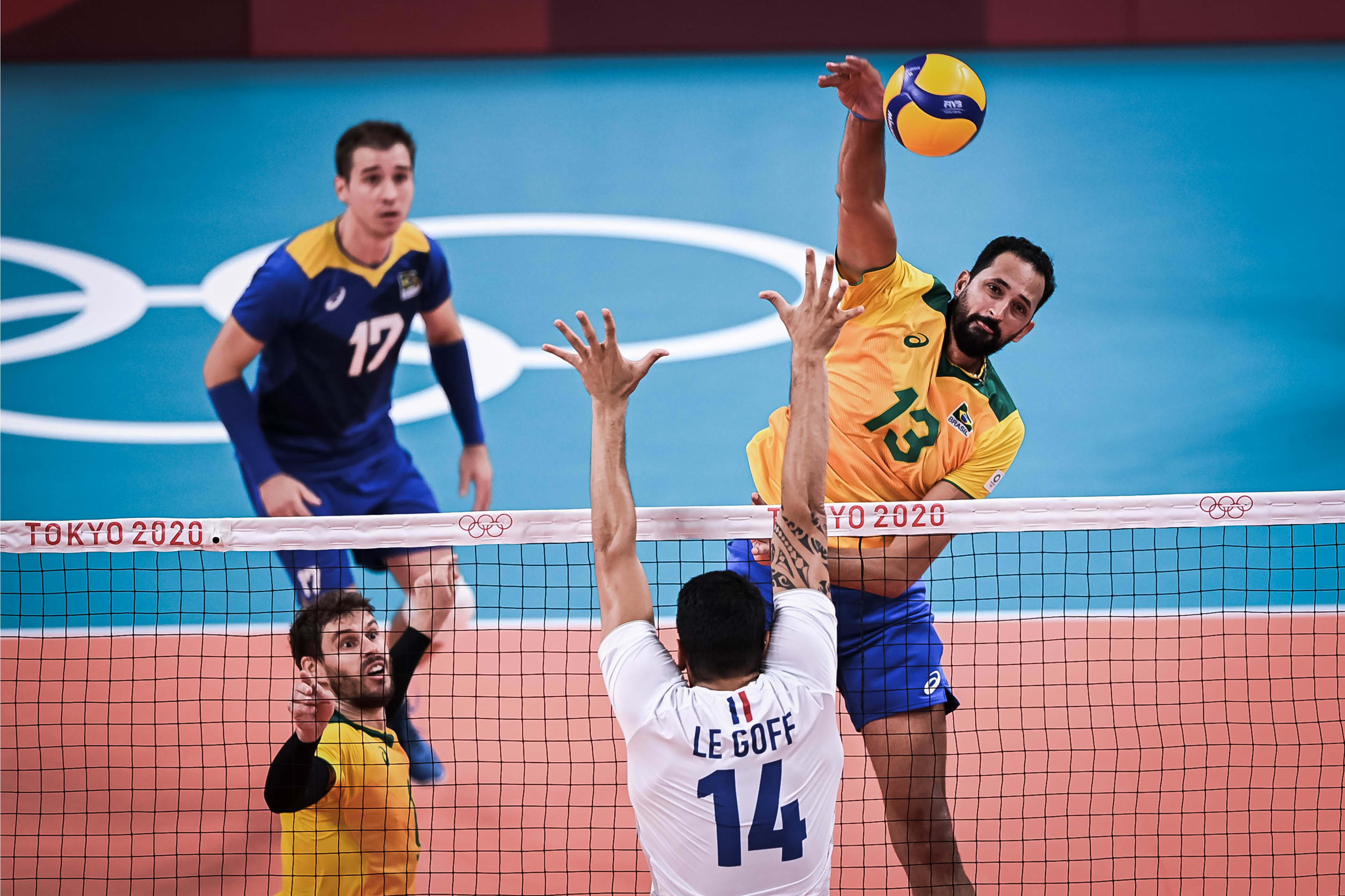 Maurício Souza somou sete pontos no jogo contra a França (Foto: Divulgação/FIVB)