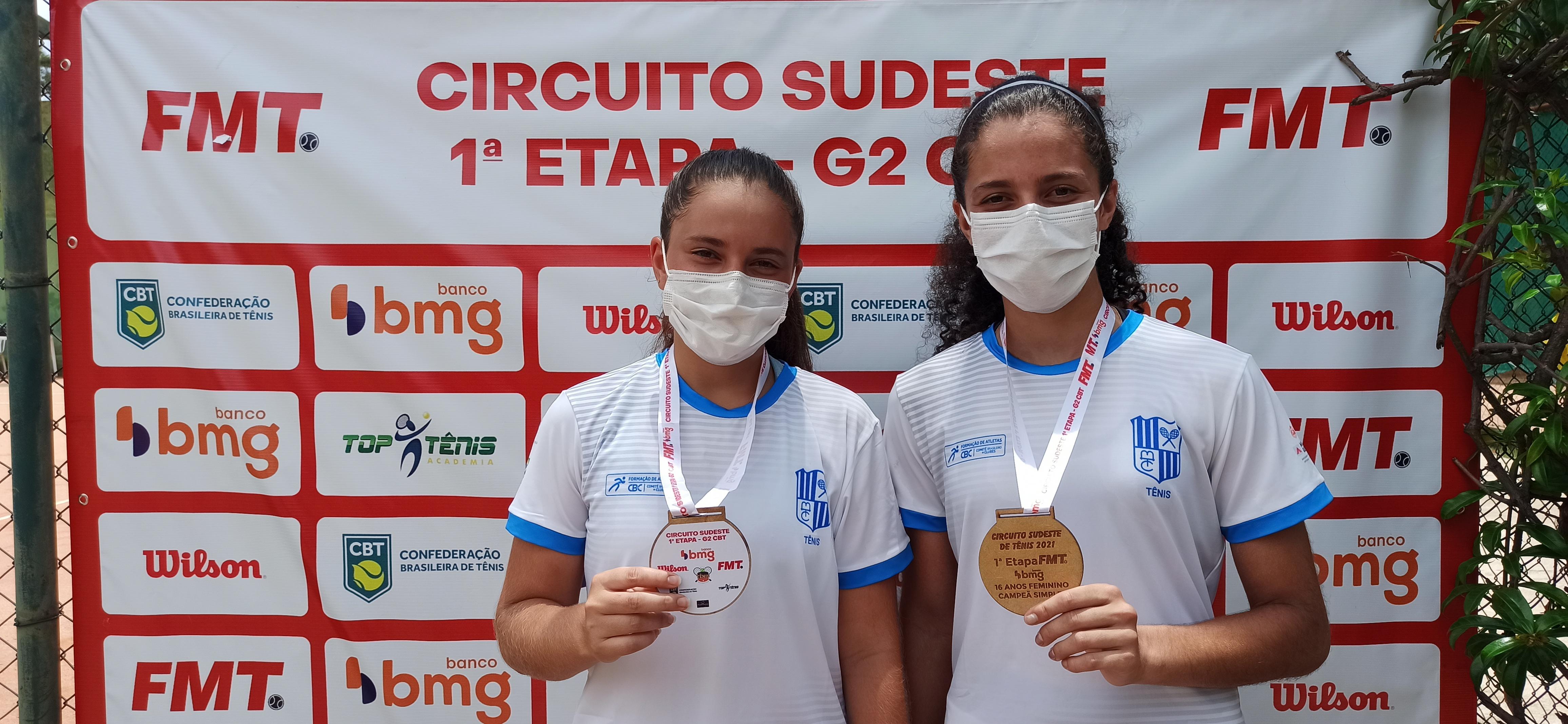 Sofia Silva e Catharina Cardoso, vice-campeã e campeã de Simples 16 Anos