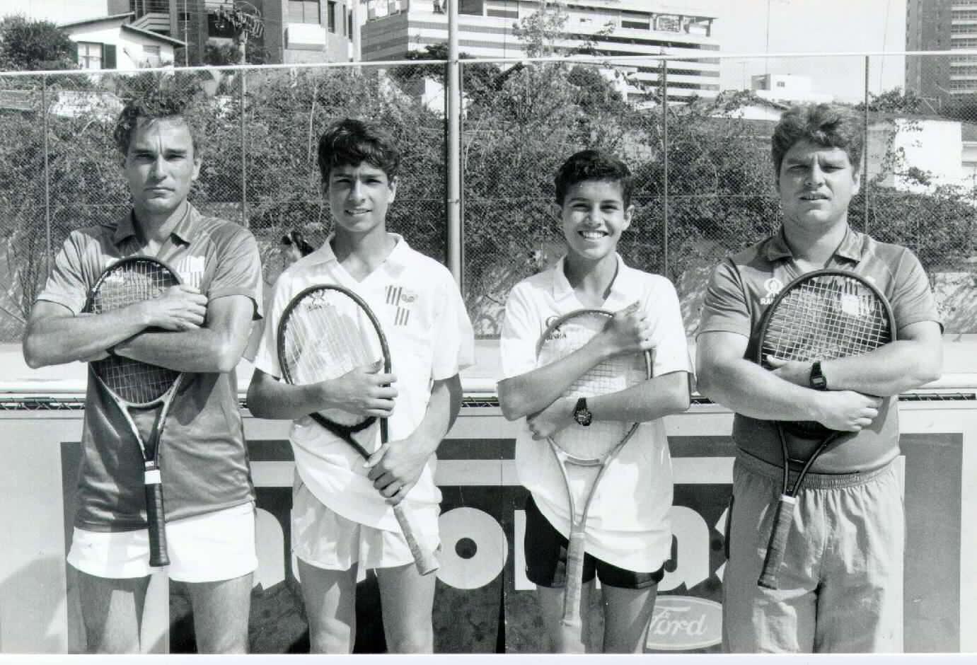 Roberto Carvalhais (Neneco), gerente do departamento de tênis do Minas, técnico Daniel Melo, André Sá e Henrique Quintino, técnico principal da base do tênis do Minas