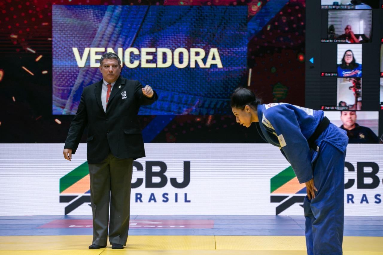 Millena Silva venceu a sua luta por ippon / Foto: Davi Victor/Navve/CBJ