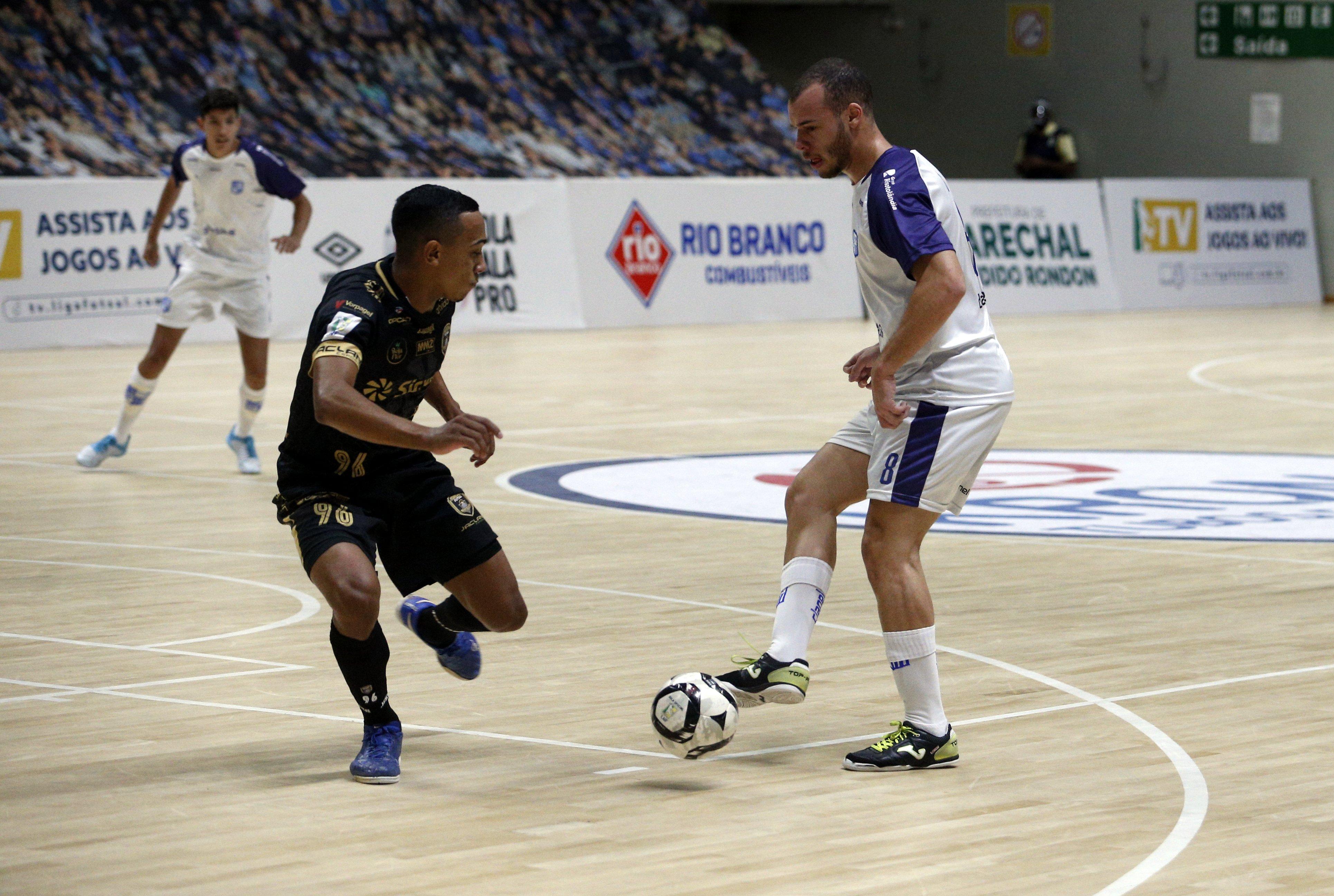 Minas dominou o time paranaense na Arena (Foto: Orlando Bento/Minas Tênis Clube)