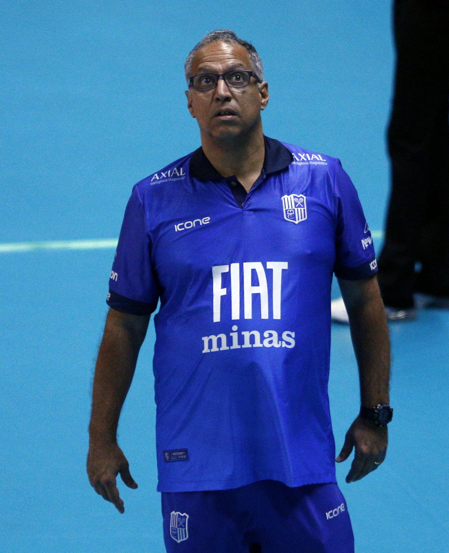 Nery Tambeiro aposta em crescimento da equipe minastenista até a semifinal