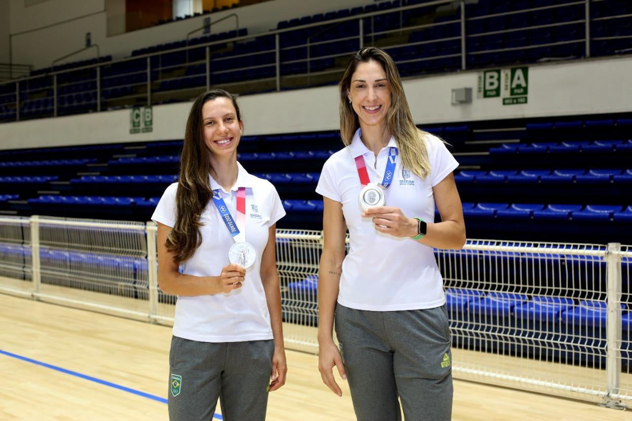 Medalhistas em Tóquio, Macrís e Gattaz voltam à Arena (Foto: Orlando Bento/Minas Tênis Clube)