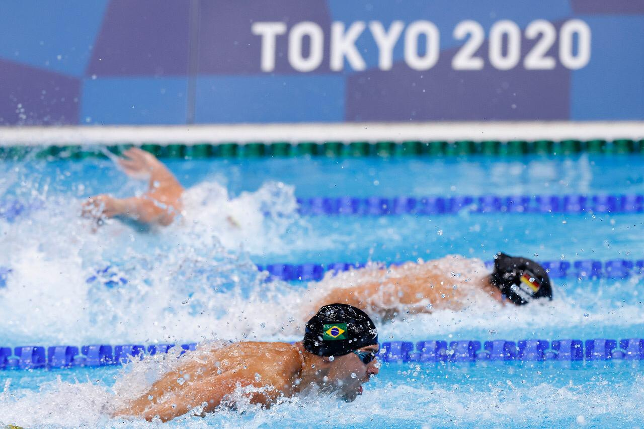 Vinicius Lanza disputou os 200m medley, os 100m borboleta e o 4x100m medley / Fotos: