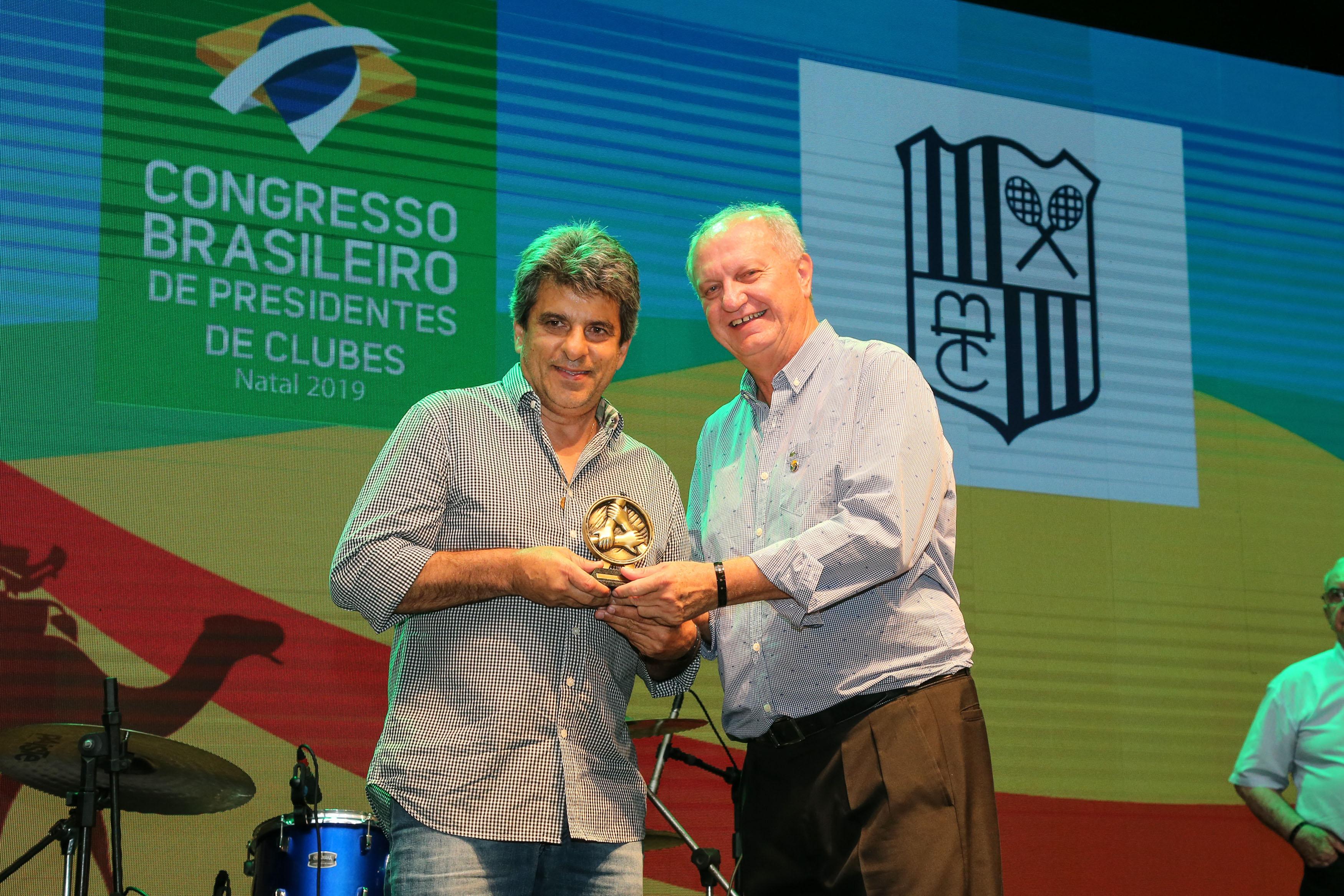 Na cerimônia de premiação, o Minas foi representado pelo Diretor de Judô, Euler Barbosa (Foto: Divulgação/Fenaclubes)