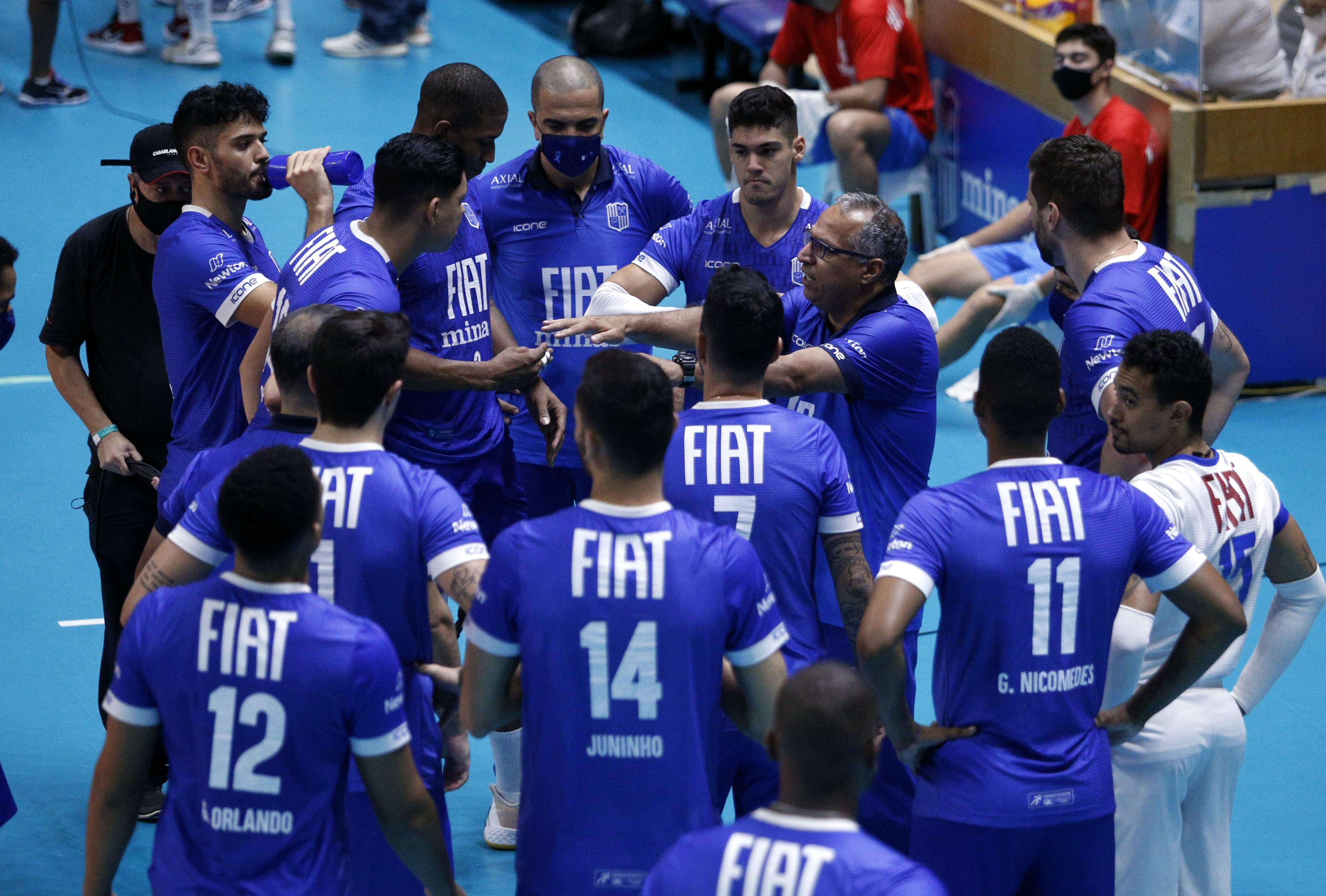 Nery Tambeiro tem preparado o Fiat/Minas para a semifinal da Superliga / Fotos: Orlando Bento/MTC