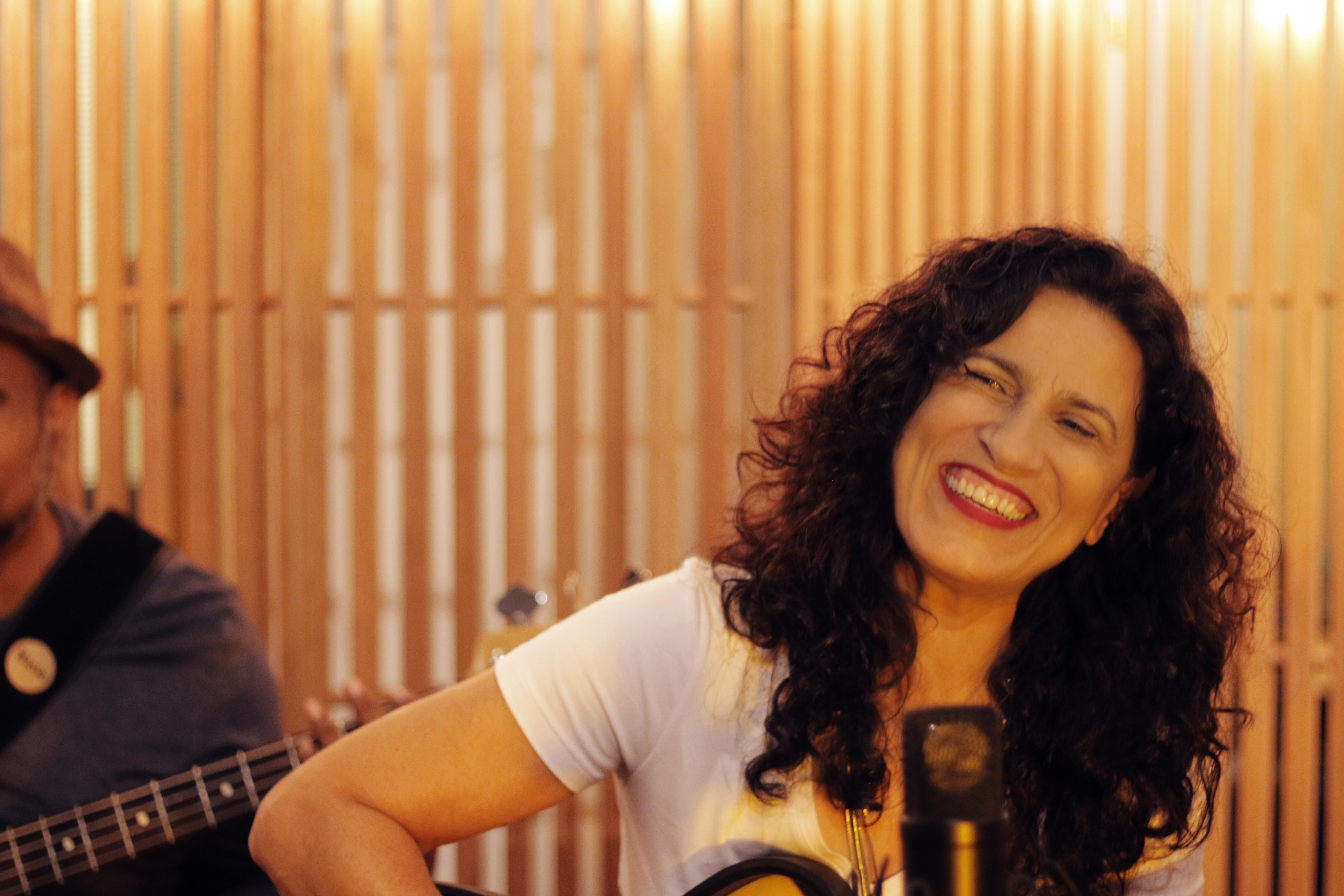 """Regina Souza lança o álbum """"Chegaí"""" no Teatro do Minas. Foto: Divulgação"""