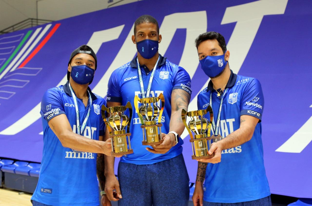 Maique, Escobar e William integraram a seleção do campeonato (Foto: Orlando Bento-MTC)