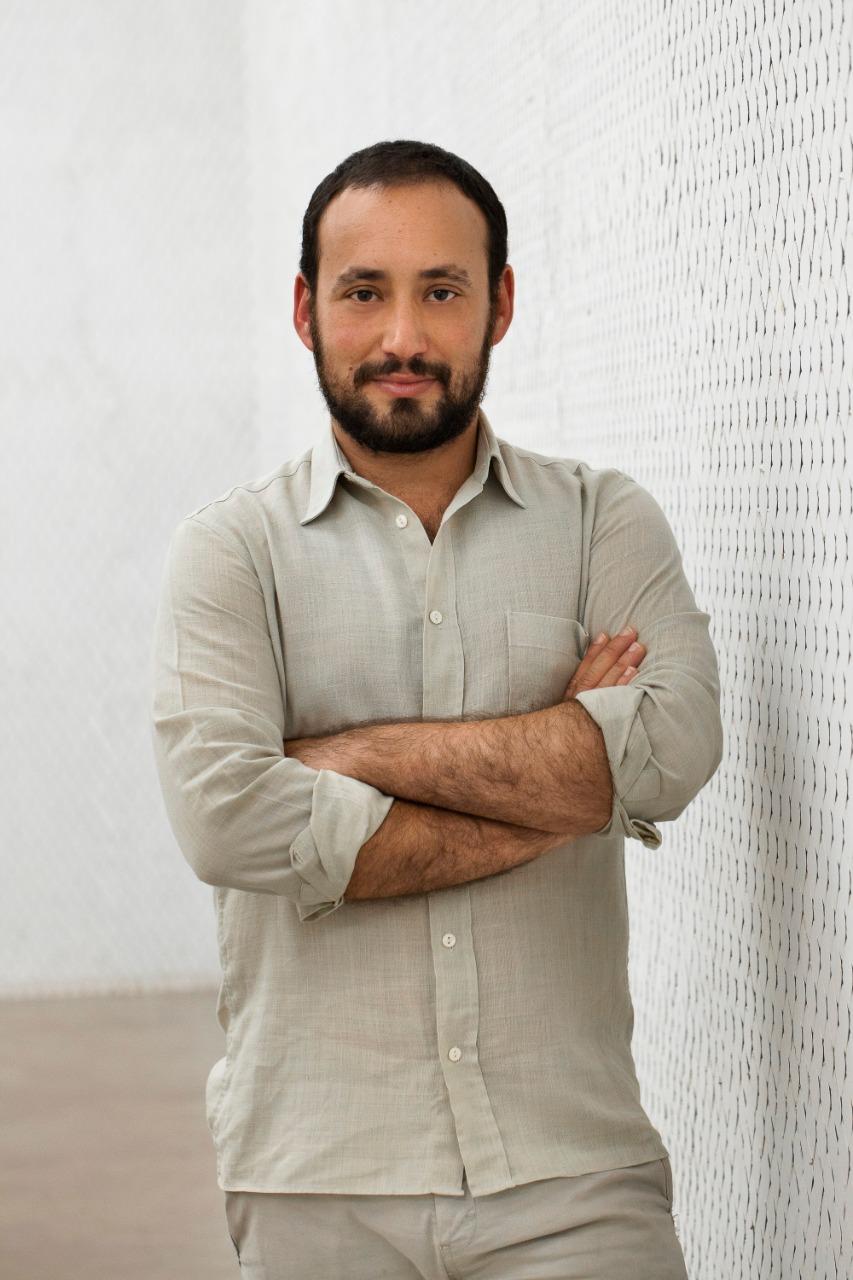 Douglas de Freitas, curador associado do Instituto Inhotim, fará palestra sobre a obra de Amilcar de Castro. Foto: Acervo pessoal
