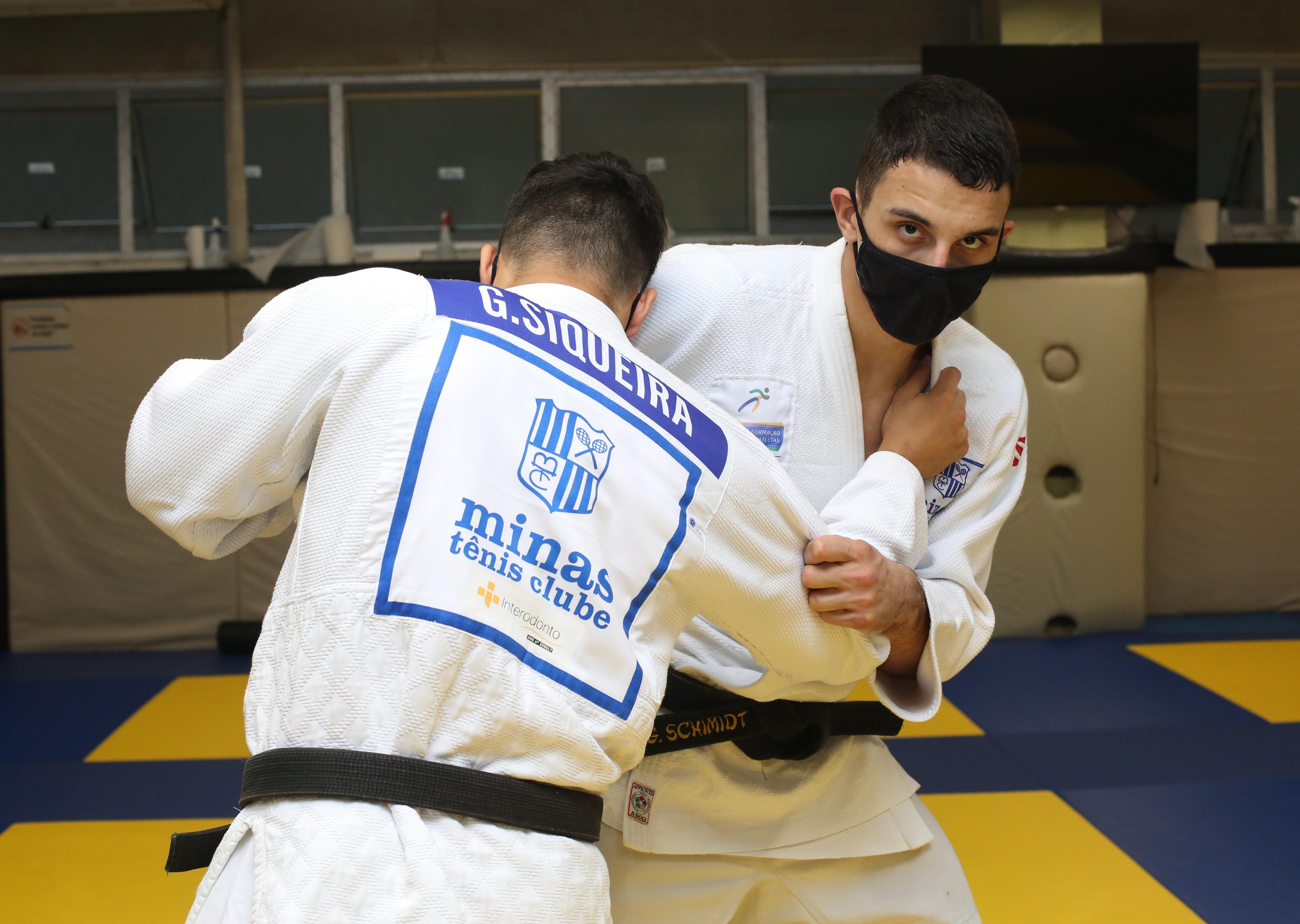 Schimidt entra em disputa nesta sexta-feira, no México (Foto: Orlando Bento/MTC)