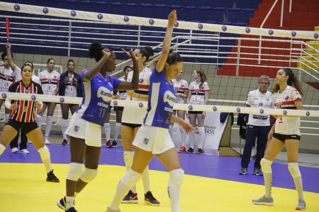 No primeiro turno, Carol Gattaz foi um dos destaques do Itambé/Minas na vitória em Barueri (Foto: Divulgação/SPFC/Barueri)