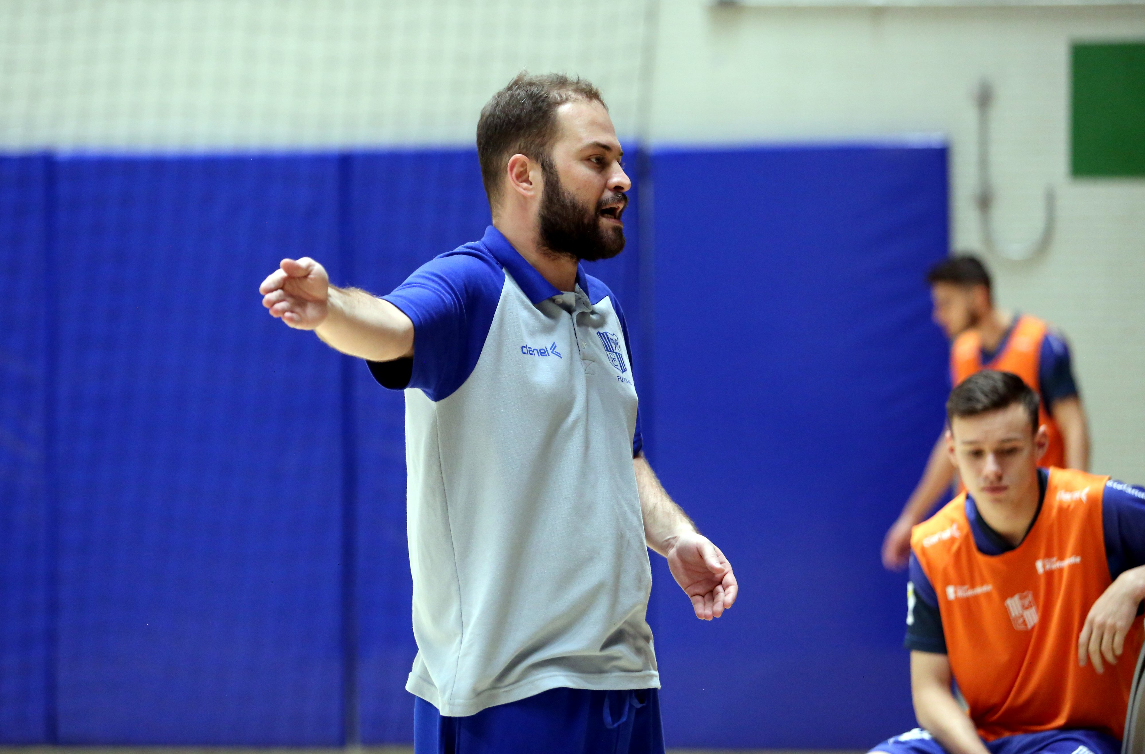 Daniel Lobato, técnico do sub-20, prega respeito aos grandes adversários na competição (Foto: Orlando Bento/Minas Tênis Clube)