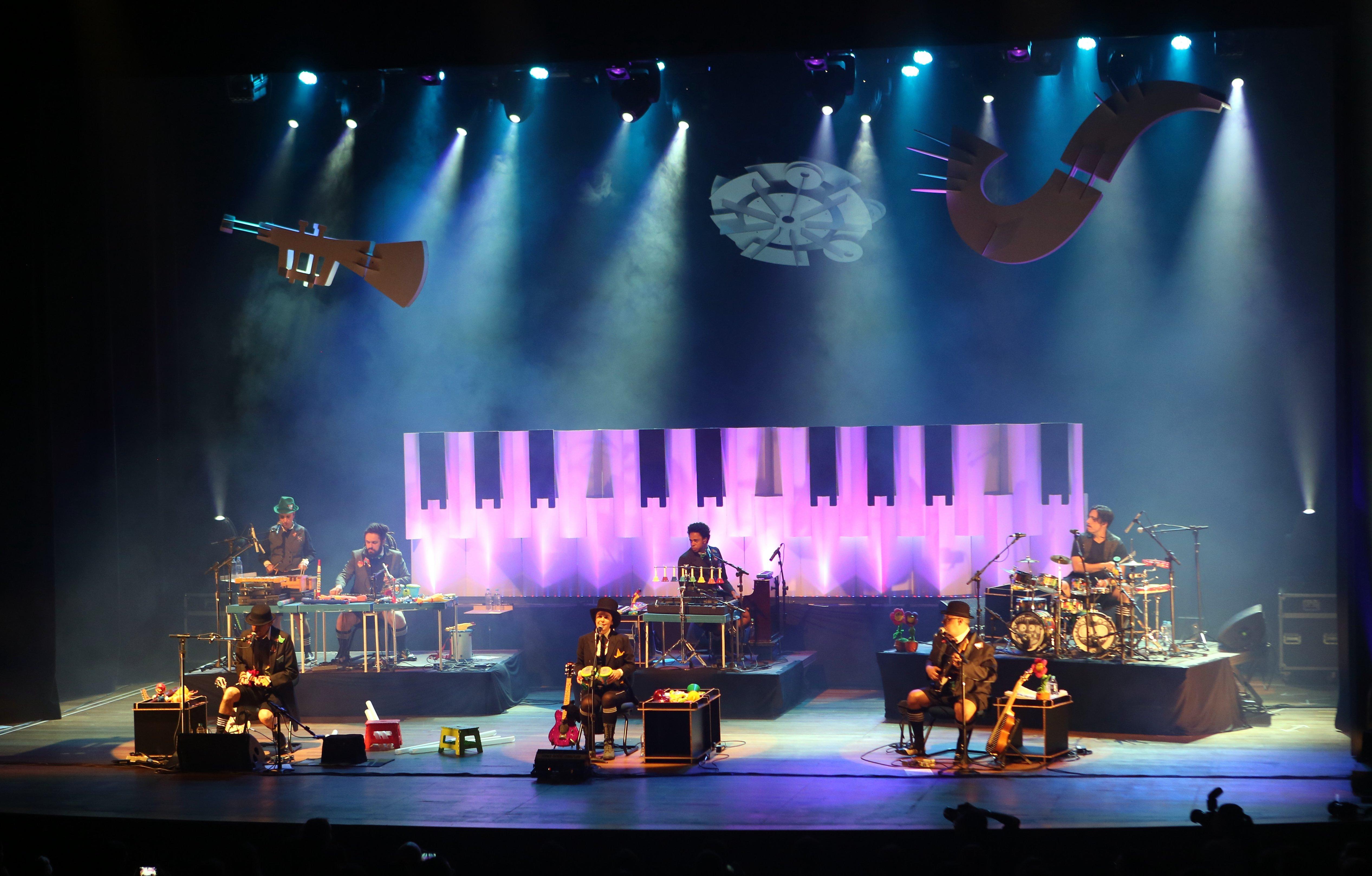 A banda Pato Fu apresenta, no formato on-line, o espetáculo Música e Brinquedo 2, na abertura do Diversão em Cena ArcelorMittal. Foto Orlando Bento